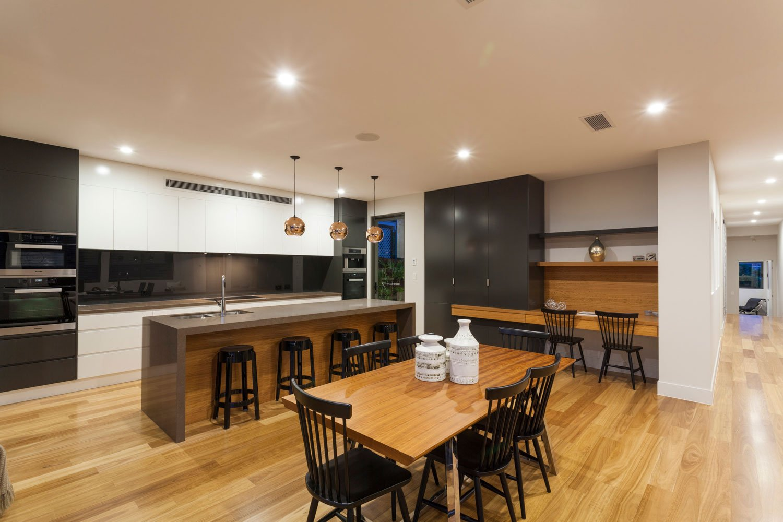 2pac-kitchen-white-grey-gold-coast