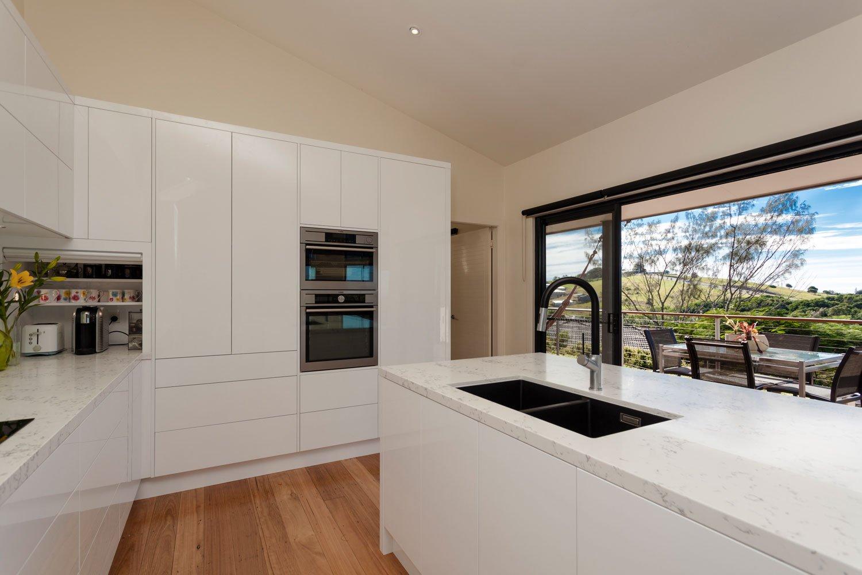 kitchen-white-gloss-gold-coast-2