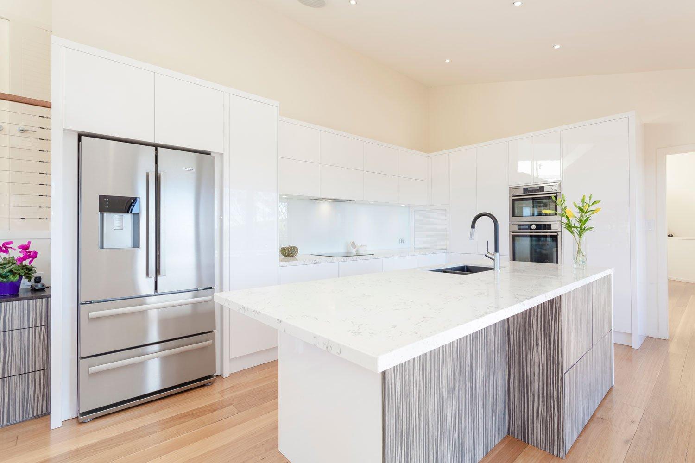 kitchen-white-gloss-gold-coast