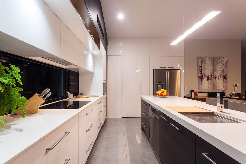 modern-kitchen-wood-white-gold-coast-2