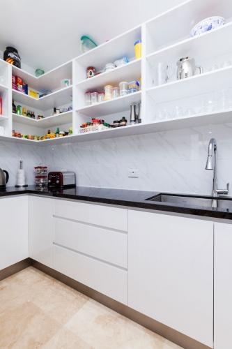 Open shelves overheads in pantry